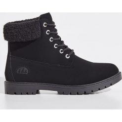 Buty trekkingowe - Czarny. Czarne buty trekkingowe damskie marki Sinsay. Za 129,99 zł.