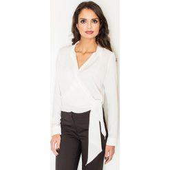 Bluzki damskie: Ecru Elegancka Bluzka z Kopertowym Założeniem