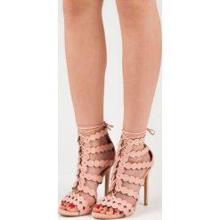 Wiązane sandały na szpilce TOYA. Czerwone sandały damskie marki SEASTAR, na szpilce. Za 109,00 zł.