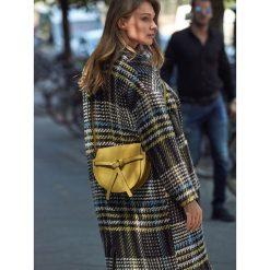 MAŁA TOREBKA Z OZDOBNYM WIĄZANIEM. Szare torebki klasyczne damskie marki Top Secret, eleganckie, z chokerem. Za 64,99 zł.