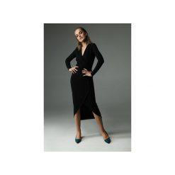 Sukienka Fern - czarna. Czarne sukienki dzianinowe Madnezz, s, z aplikacjami, z kopertowym dekoltem, dopasowane. Za 309,00 zł.