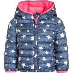 GAP Kurtka zimowa indigo star. Niebieskie kurtki dziewczęce przeciwdeszczowe GAP, na zimę, z materiału, retro. W wyprzedaży za 146,30 zł.