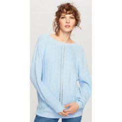 Swetry klasyczne damskie: Sweter z dekoltem z tyłu - Niebieski