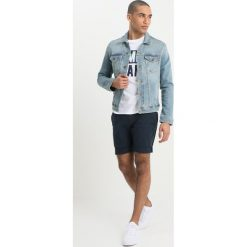 Tommy Jeans CLASSIC TRUCKER JACKET Kurtka jeansowa illinois light blue stretch. Niebieskie kurtki męskie jeansowe marki Reserved, l. Za 549,00 zł.