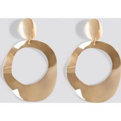 Kolczyki damskie: NA-KD Accessories Asymetryczne kolczyki oversize – Gold