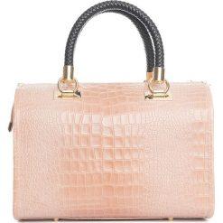 Torebki klasyczne damskie: Skórzana torebka w kolorze jasnoróżowym – 44 x 38 x 16 cm