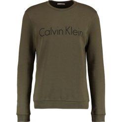 Bluzy męskie: Calvin Klein SEM LOGO CREW NECK Bluza army green