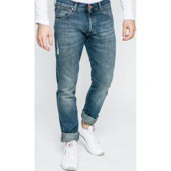 Wrangler - Jeansy Larston. Niebieskie jeansy męskie slim marki House, z jeansu. W wyprzedaży za 219,90 zł.