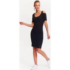 Sukienki hiszpanki: DOPASOWANA SUKIENKA COLD-SHOULDER.