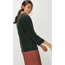 Jacqueline de Yong - Sweter. Szare swetry klasyczne damskie Jacqueline de Yong, l, z dzianiny. W wyprzedaży za 99,90 zł.