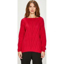 Medicine - Sweter Basic. Czerwone swetry klasyczne damskie MEDICINE, l, z bawełny, z okrągłym kołnierzem. W wyprzedaży za 79,90 zł.