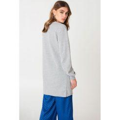 Bluzy damskie: NA-KD Basic Długa bluza basic - Grey