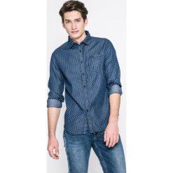 Guess Jeans - Koszula Clyde. Szare koszule męskie jeansowe Guess Jeans, l, z aplikacjami, z włoskim kołnierzykiem, z długim rękawem. W wyprzedaży za 259,90 zł.