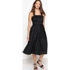Sukienki hiszpanki: Sukienka z gorsetem na szerokich ramiączkach, ozdobiona haftem angielskim