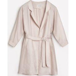 Płaszcz z lyocellu - Beżowy. Brązowe płaszcze damskie Reserved, z lyocellu. W wyprzedaży za 119,99 zł.