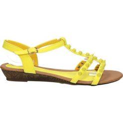 SANDAŁY CASU 6713-8. Żółte sandały damskie Casu. Za 49,99 zł.