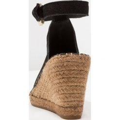 Royal RepubliQ WAYFARER WEDGE Sandały na obcasie black. Czarne sandały trekkingowe damskie Royal RepubliQ, z materiału, na obcasie. Za 419,00 zł.