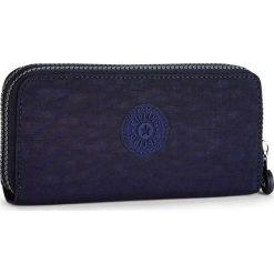 """Portfel """"Uzario"""" w kolorze granatowym - 10 x 18,5 x 3,5 cm. Niebieskie portfele męskie Kipling, z tkaniny. W wyprzedaży za 78,95 zł."""