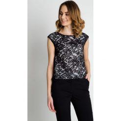 Czarna koronkowa bluzka z białą podszewka BIALCON. Białe bluzki asymetryczne BIALCON, w koronkowe wzory, z koronki, eleganckie. Za 165,00 zł.