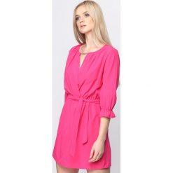 Sukienki: Fuksjowa Sukienka Perhaps