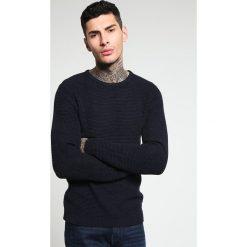 Swetry klasyczne męskie: Selected Homme SHNNEWVINCE BUBBLE CREW NECK Sweter navy blazer