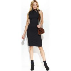 Czarna Elegancka Sukienka z Efektownym Kołnierzykiem. Czarne sukienki balowe marki bonprix, do pracy, w paski, moda ciążowa. Za 127,90 zł.