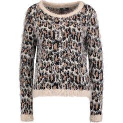Swetry damskie: Le Temps Des Cerises ENLACA Sweter taupe
