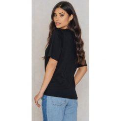 Rut&Circle T-shirt Elina Waist - Black. Czarne t-shirty damskie Rut&Circle, z bawełny. W wyprzedaży za 41,98 zł.