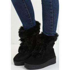 Czarne Śniegowce Little Dev. Czarne buty zimowe damskie Born2be, z materiału, z okrągłym noskiem, na platformie. Za 69,99 zł.
