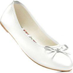 Baleriny bonprix biały. Białe baleriny damskie bonprix, z syntetyku. Za 44,99 zł.