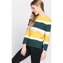 Ciemnozielony Sweter Autumnal Glow. Szare swetry klasyczne damskie Born2be, l, z dekoltem w łódkę. Za 74,99 zł.