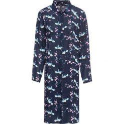 Płaszcz koszulowy z kreszowanego materiału w kwiaty bonprix niebieski dżins w kwiaty. Niebieskie płaszcze damskie bonprix, w kwiaty, z materiału. Za 49,99 zł.