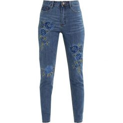 Rurki damskie: Missguided RIOT FLORAL EMBROIDERED Jeansy Slim Fit blue