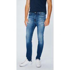 Tommy Jeans - Jeansy Simon. Niebieskie jeansy męskie skinny Tommy Jeans, z bawełny. W wyprzedaży za 319,90 zł.