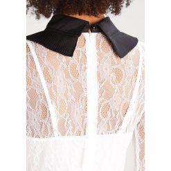 Sukienki hiszpanki: Navy London MEREL Sukienka letnia white