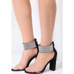 Czarne Sandały Sophisticated. Czarne sandały damskie marki vices, na wysokim obcasie. Za 89,99 zł.