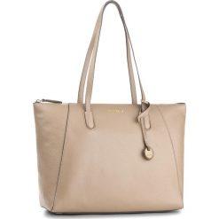 Torebka COCCINELLE - BF8 Clementine Soft E1 BF8 11 01 01 Taupe 175. Brązowe torebki klasyczne damskie marki Coccinelle, ze skóry. W wyprzedaży za 689,00 zł.