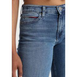 Tommy Jeans MID RISE STRAIGHT BOOTCUT  Jeansy Bootcut fraser mid blue. Niebieskie jeansy damskie bootcut marki bonprix. Za 449,00 zł.