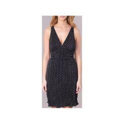 Sukienki krótkie Guess  ABORON. Czarne sukienki hiszpanki Guess, l, z krótkim rękawem, mini. Za 370,30 zł.