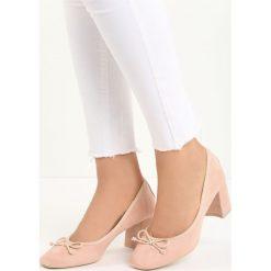 Różowe Czółenka Verso. Czerwone buty ślubne damskie Born2be, ze skóry, na niskim obcasie, na słupku. Za 49,99 zł.