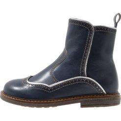 Ocra Botki bolivia blu/argento. Niebieskie buty zimowe damskie Ocra, z futra. W wyprzedaży za 351,45 zł.