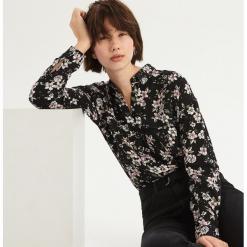 Koszula w kwiaty - Wielobarwn. Szare koszule wiązane damskie Sinsay, l, w kwiaty. Za 79,99 zł.