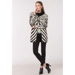 Swetry rozpinane damskie: Sweter z nieregularnym wzorem