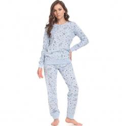Piżama w kolorze jasnoniebieskim - koszulka, spodnie. Niebieskie piżamy damskie Doctor Nap, xl. W wyprzedaży za 79,95 zł.