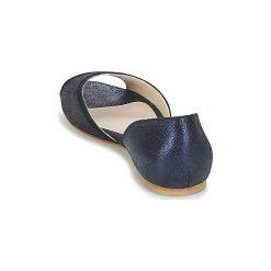 Sandały Betty London  INKIBI. Niebieskie sandały trekkingowe damskie marki Betty London. Za 247,20 zł.