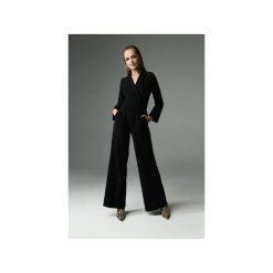Kombinezon Savage - czarny. Czarne kombinezony dresowe damskie Madnezz, s, z aplikacjami, eleganckie, z kopertowym dekoltem. Za 349,00 zł.