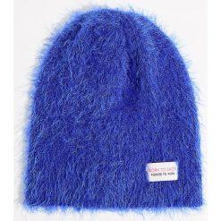 Czapka beanie z ozdobną metką - Niebieski. Czerwone czapki damskie marki Mohito, z bawełny. Za 29,99 zł.