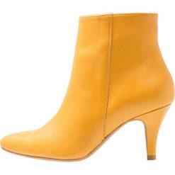 Lazamani Ankle boot yellow. Żółte botki damskie skórzane marki Lazamani. Za 549,00 zł.