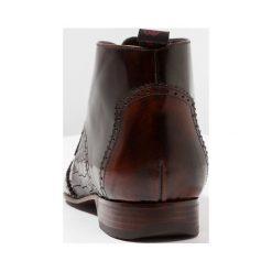 Jeffery West ESCOBAR WINGCAP CHUKKA Eleganckie buty brown. Brązowe buty wizytowe męskie Jeffery West, z materiału, na sznurówki. Za 789,00 zł.