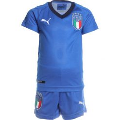 Puma FIGC ITALIEN HOME MINIKIT SET Krótkie spodenki sportowe team power blue/peacoat. Niebieskie spodenki chłopięce Puma, z elastanu, sportowe. Za 249,00 zł.